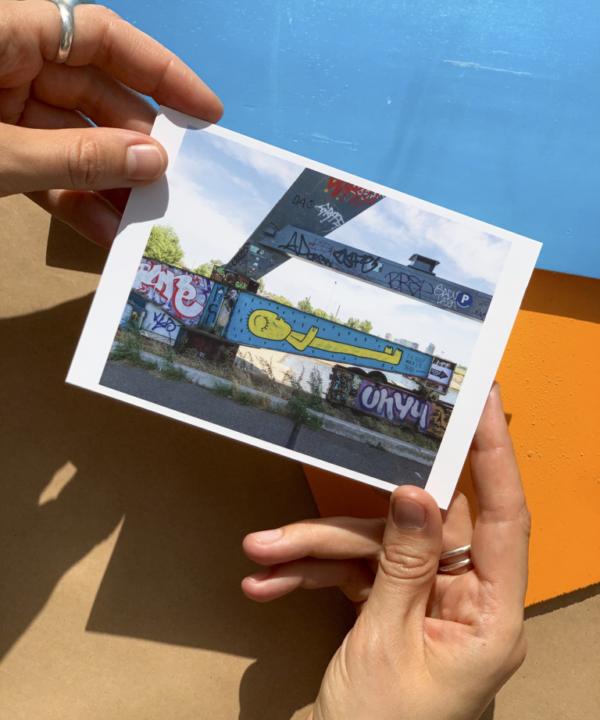 "Postkarte Amsterdam Noord ""I'll sleep when I'm dead""in der Sonne"